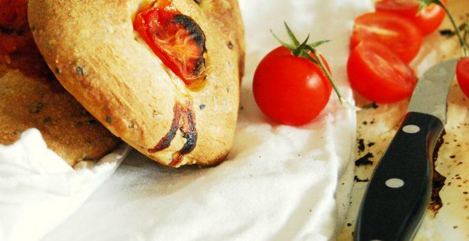 Filoncini di pane ai pomodori (senza impasto)